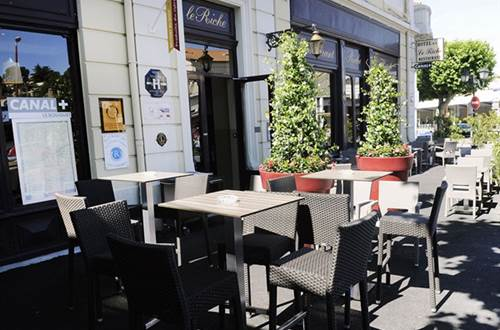 Hotel LE RICHE Terrasse ©